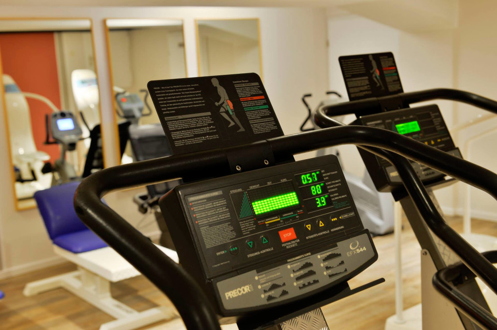 fitnessstudio-ergometer