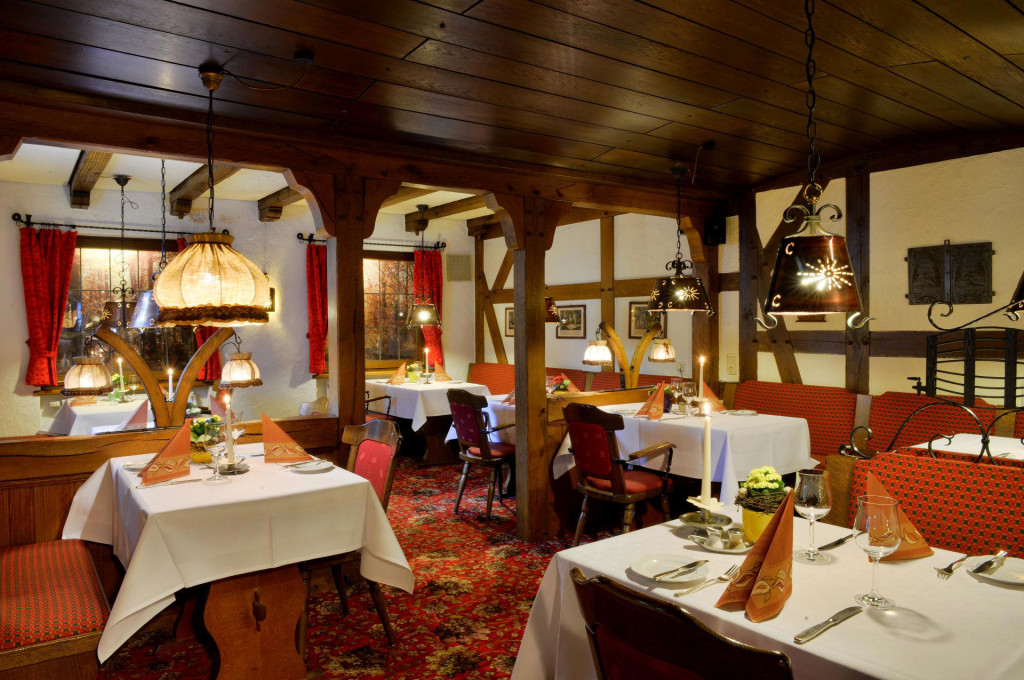 die gaststube des landhotels albers in schmallenberg ist mehr als ein normales restaurant. Black Bedroom Furniture Sets. Home Design Ideas